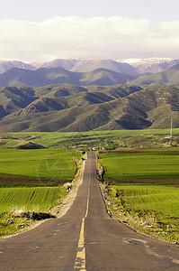 新疆塔城美景农牧业乡村公路图片
