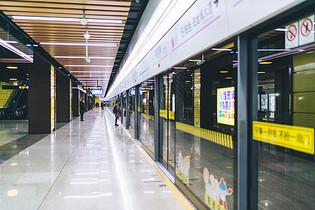 城市地铁环境图片