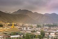 甘南拉卜楞寺远观金顶图片
