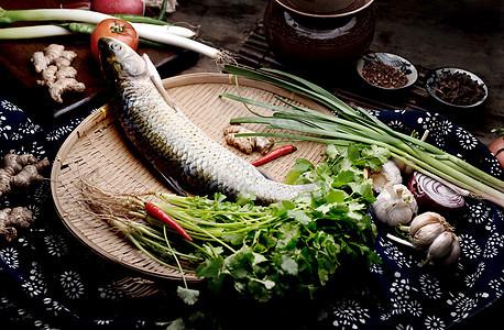新鲜食材鱼图片