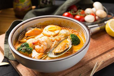 马来西亚叻沙汤图片