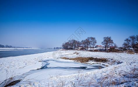 冰封雪地的北方图片