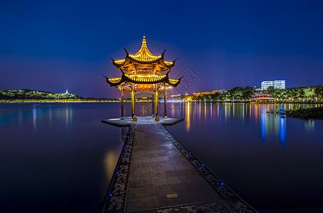 西湖集贤亭夜景图片