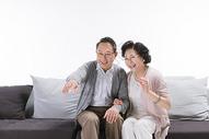 幸福的老年夫妻在招呼图片