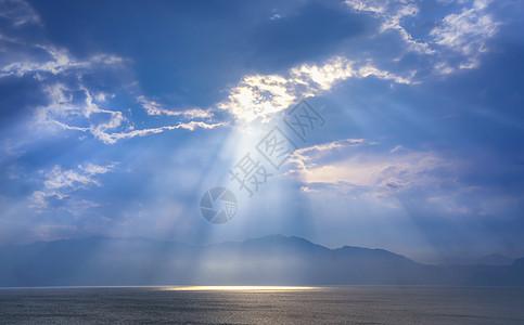 抚仙湖日落晚霞图片