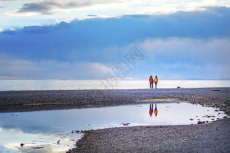海边背影图片