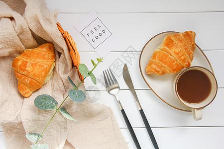 美味营养早餐牛角面包图片