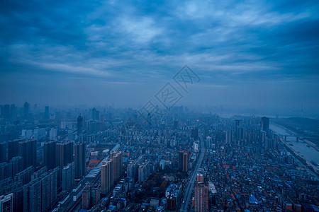 最高点俯瞰城市图片