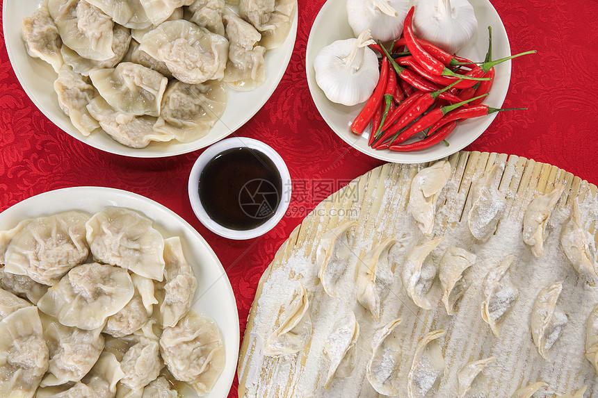 春节吃饺子图片