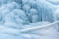 寒冷的冰雪雾凇图片