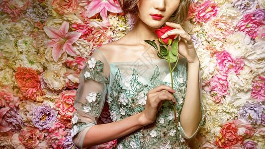 花丛中的美女图片