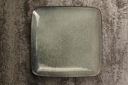 深色空盘子顶视图图片