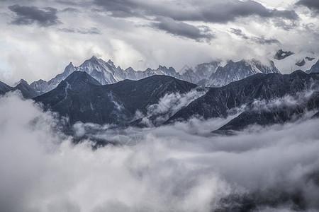 云中折多山图片