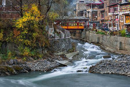 西索村的小桥流水与川西藏族民居图片