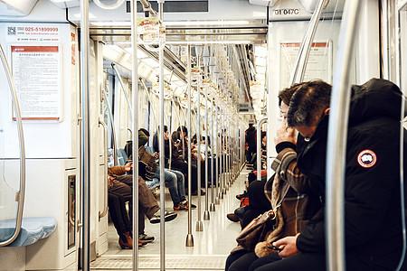 轨道交通地铁车厢图片