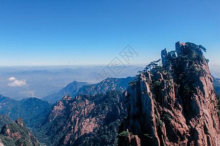 黄山山顶俯瞰山峰云海图片