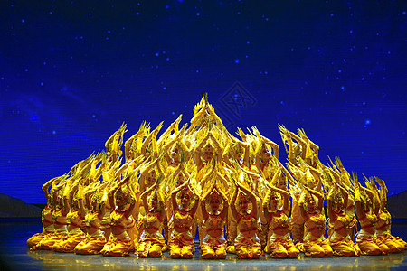 西双版纳傣族歌舞表演图片