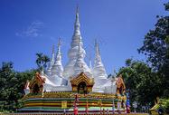 西双版纳傣族建筑佛塔图片