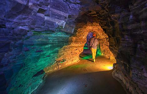 河南红石峡神秘彩色的山洞图片