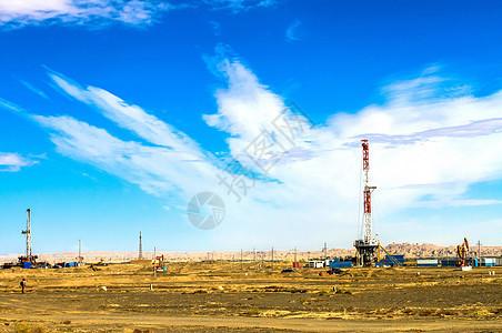 新疆克拉玛依油田图片