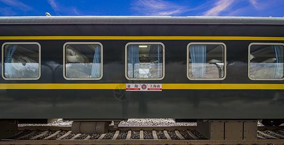 2018春运的绿皮火车图片