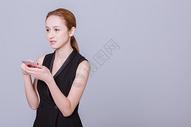 干练职业女性用手机图片
