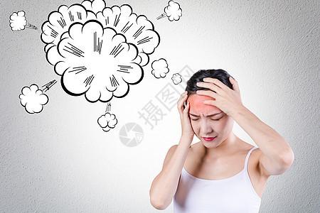 头痛的女人图片