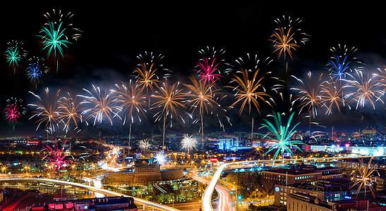 烟花城市夜空图片