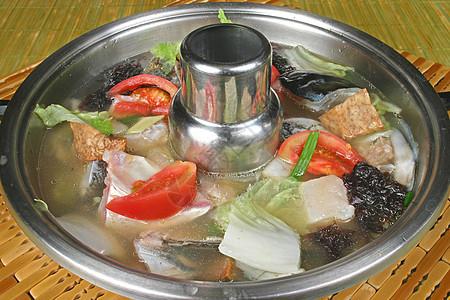 鱼头锅 图片