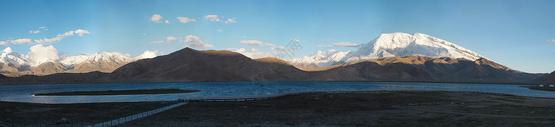 喀拉库勒湖全景长图图片