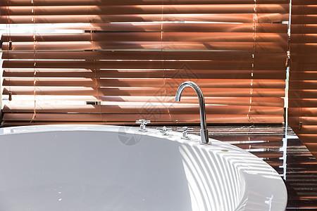 圆形浴缸局部特写图片