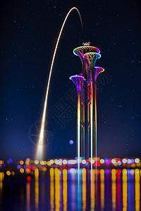 流星划过北京奥林匹克塔图片