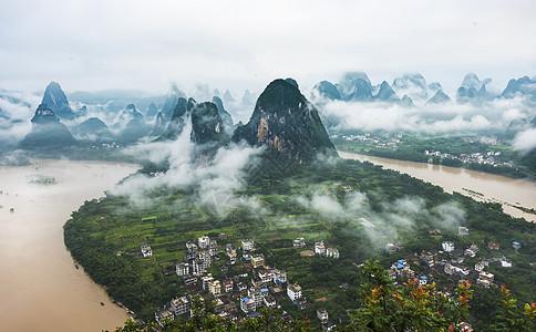 大雨后的兴坪漓江湾图片