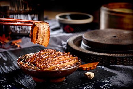 夹起来的梅菜扣肉图片