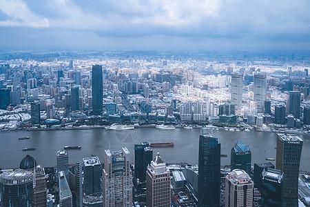 上海雨雪天气城市建筑全景图片