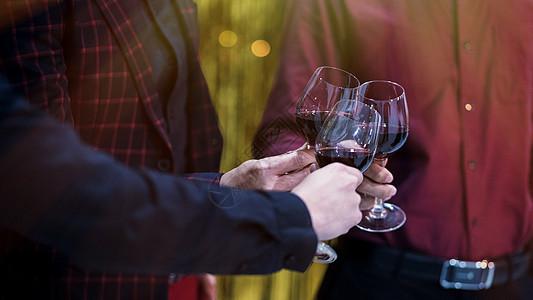 干杯cheers图片