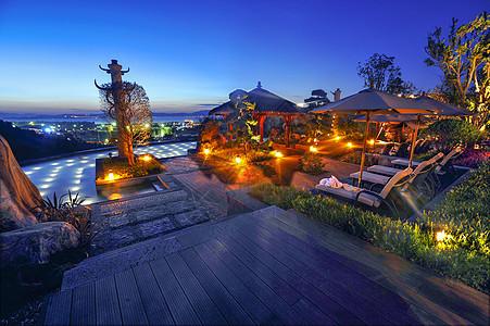豪华无边温泉酒店夜景图片