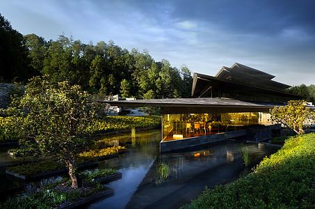 豪华温泉酒店建筑外景图片