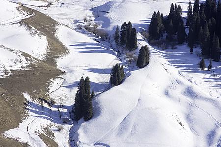 新疆特克斯琼库什台冬季风光雪景图片