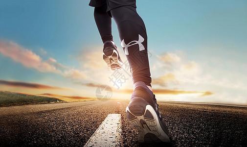 公路上奔跑运动员图片