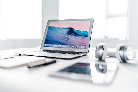 创意学习办公桌面环境图片