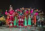 龙华寺跨年踩高跷表演图片