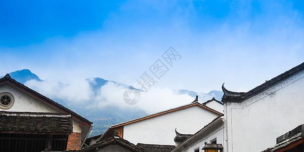 蓝天白云下的中国民居图片