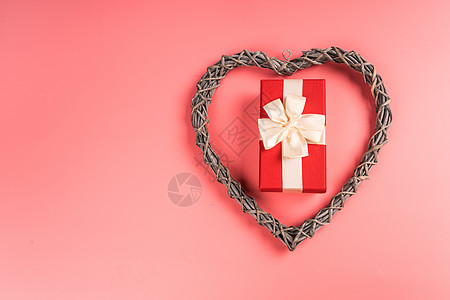 情人节爱心礼物盒静物图片