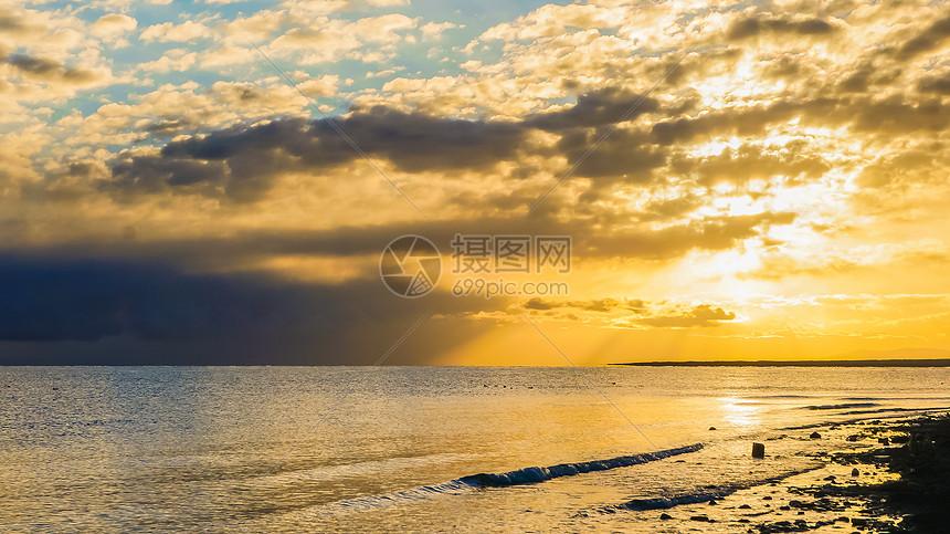 青海青海湖日出图片