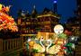 春节的上海城隍庙庙会张灯结彩图片