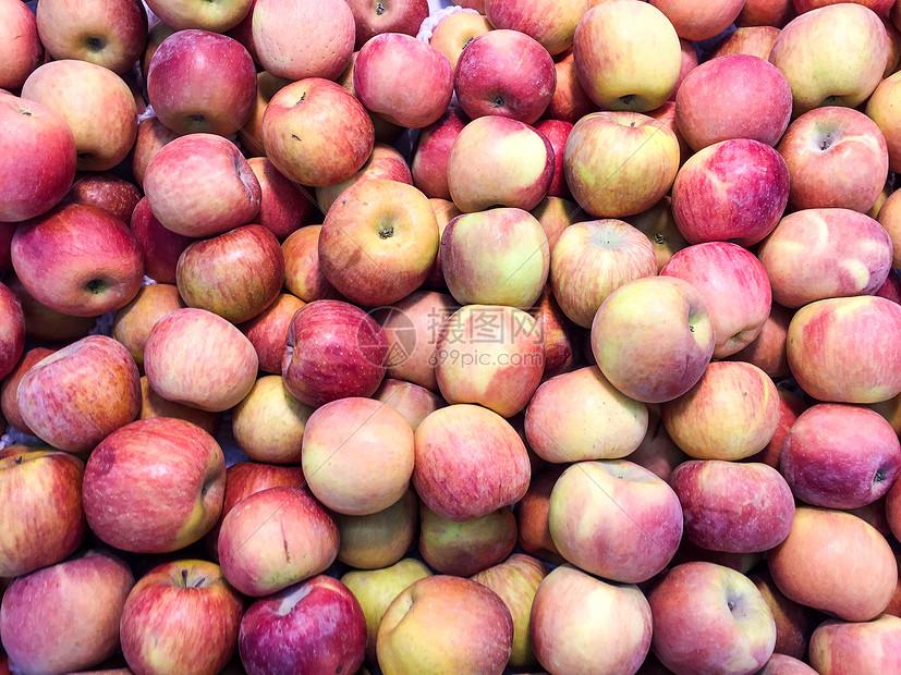超市过年期间农副食品采购苹果图片
