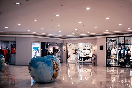 节日期间的购物中心图片