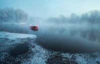 库尔斌雾凇河流图片