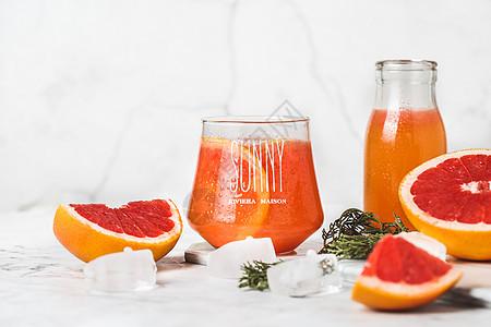 ins风鲜榨西柚汁图片